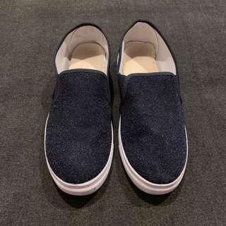 🚚 Black slip-on flats / shoes | Size 39