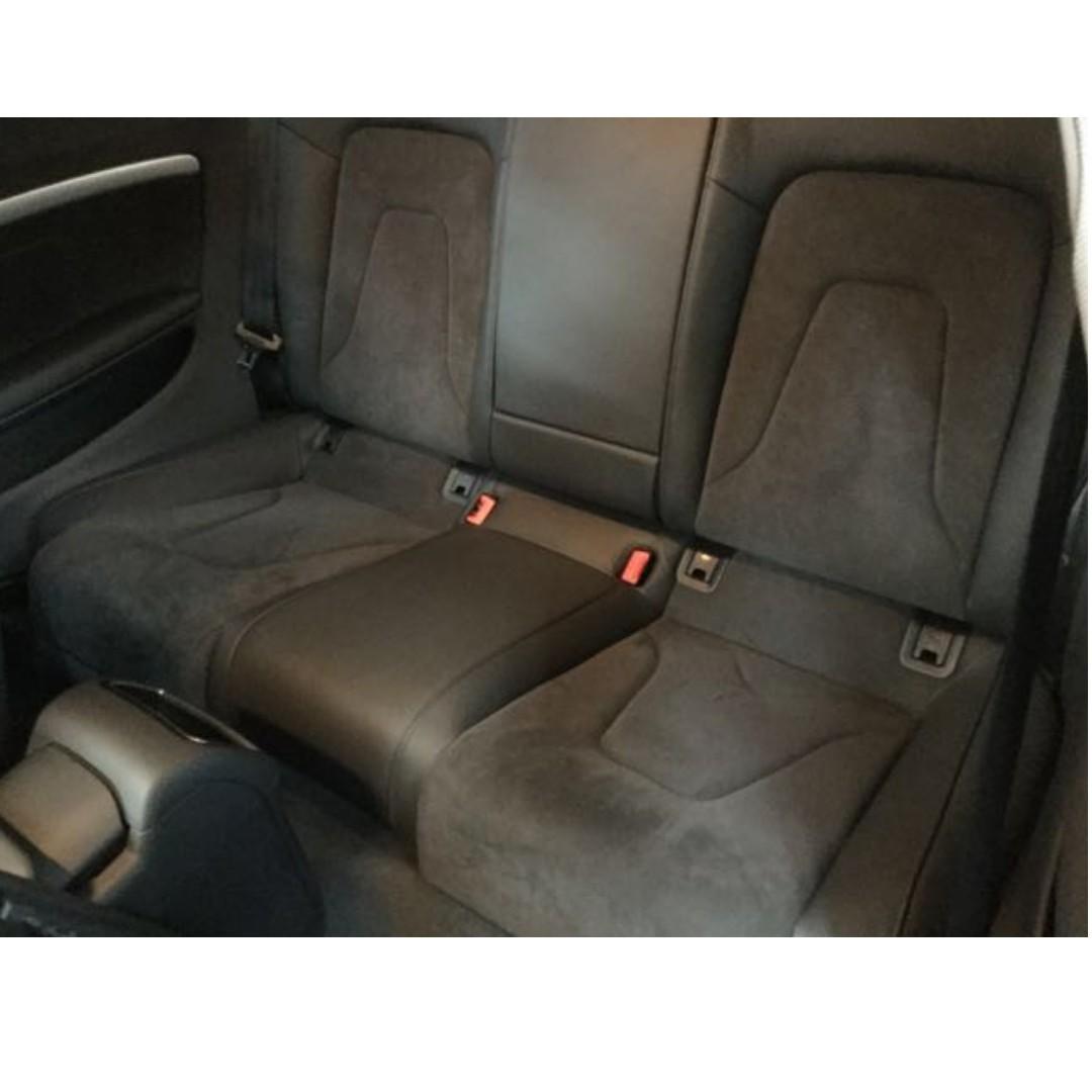 賣30萬 跑5萬多 2013年 Audi A5 需要其他照片可以加我LINE 或打電話來詢問 中古車 二手車 代步車
