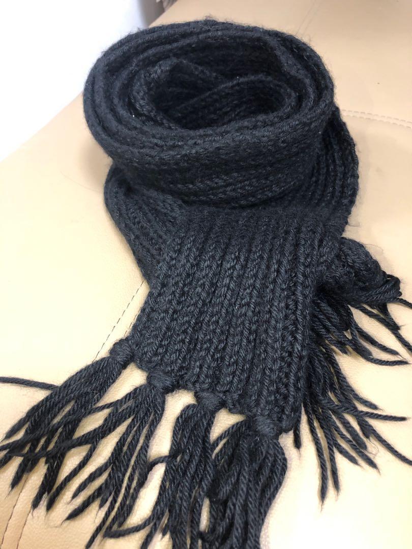 純黑色手織頸巾