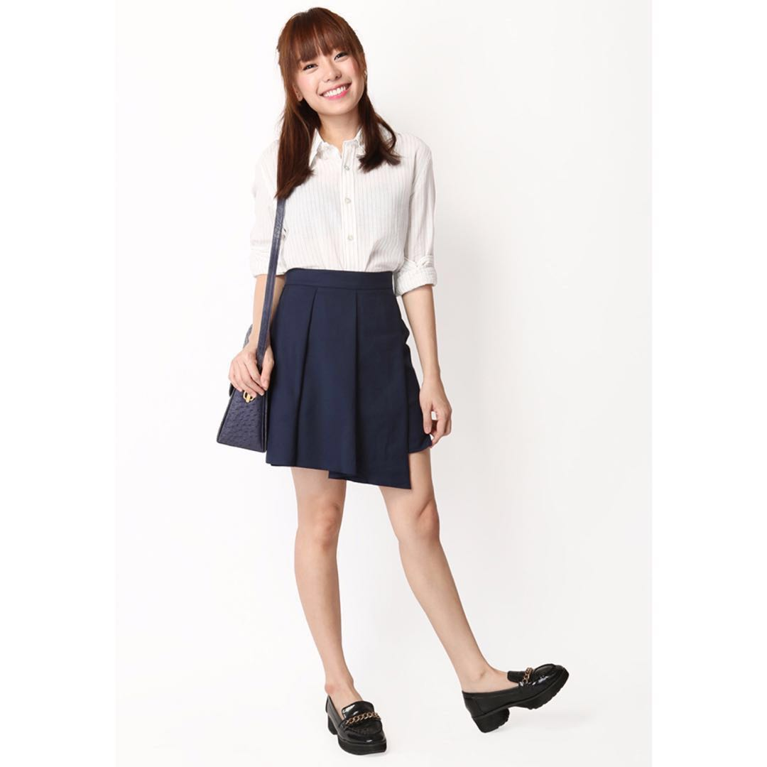 A for arcade Three's a crowd skirt, navy