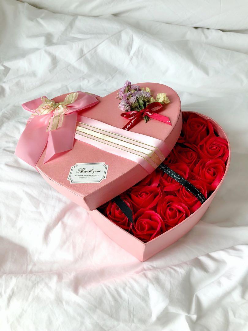 Buket Bunga Sabun Bentuk Hati Hadiah Romantis
