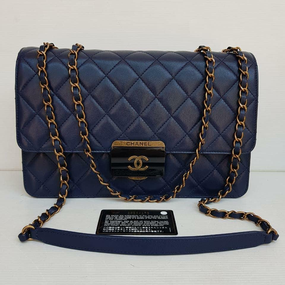 Chanel Navy Blue RGHW #22  29cm x 19cm x 10cm  Excellent --With DB, card, holo and paper bag