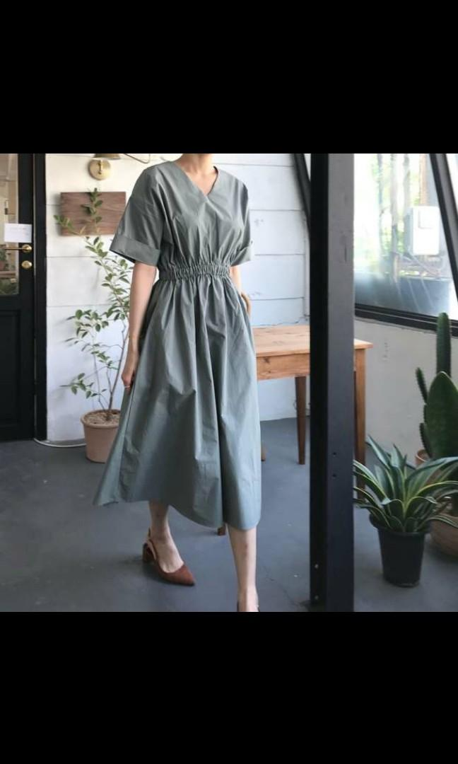 Dusty green elasticised kimono sleeved dress