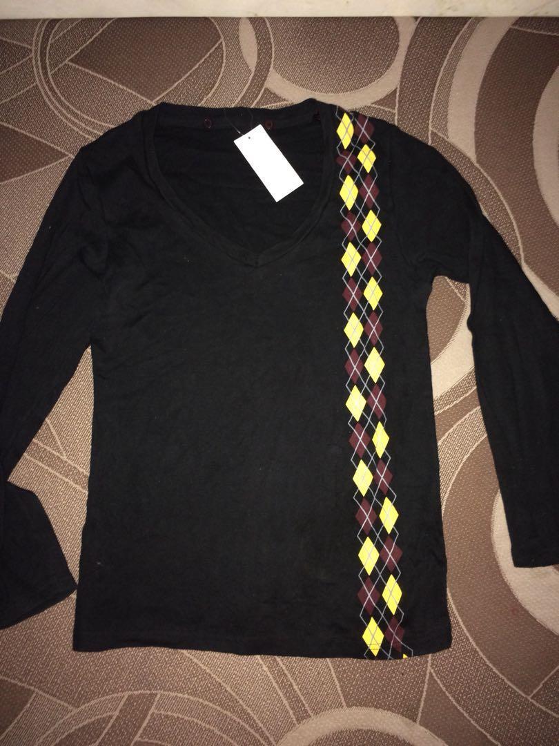 Kaos oblong hitam