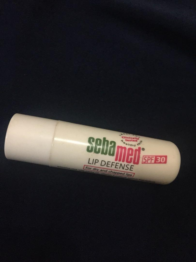 Lip deffense sebamed (lipbalm)