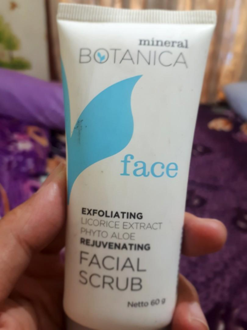 Mineral botanica facial scrub