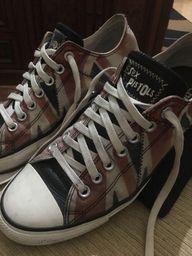 Sepatu converse x sex pistols