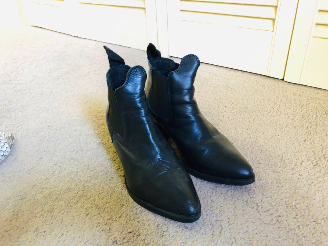 Topshop Soft leather ankle boots in size 5.5