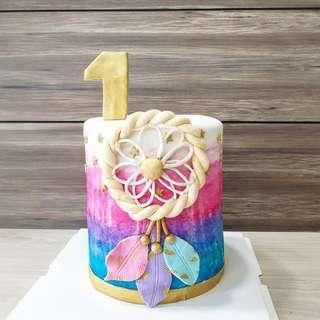 🚚 Dreamcatcher customised cake