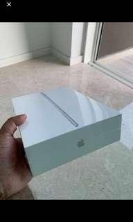 🚚 Ipad 6th Generation 32GB Silver Wifi