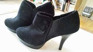 NEW! black suede bootie heels 8.5