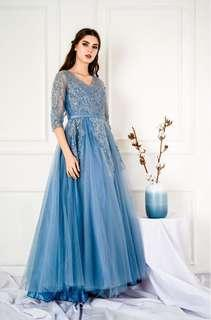 Long gown party dress frozen