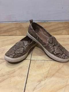 Sepatu Slip On H&M