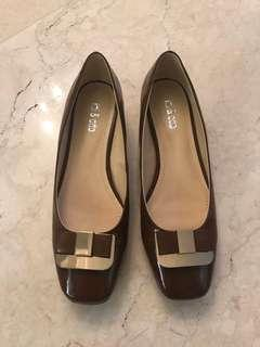 Brown patent pump shoes flats