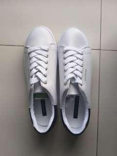 Tommy sneakers