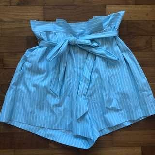 F21 striped waist tie shorts