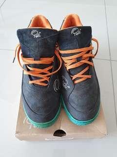 Pele futsal shoes