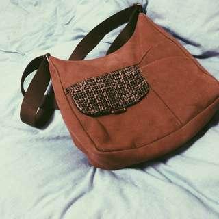 Authentic Hedgren Tweet Brown Bag