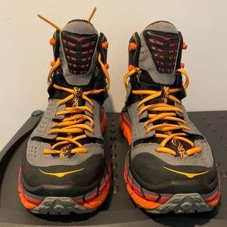 Hoka One One Tor Ultra Hi Waterproof Boot men's Black Olive US9