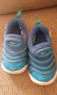 sepatu nike dynamo free anak