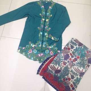 Baju Kebaya Sulam & Kain Pareo