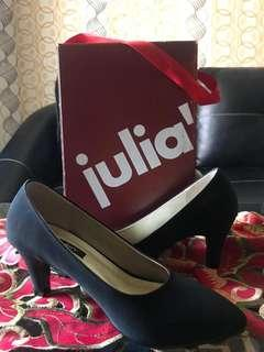 Julia heels