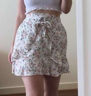 ✨ Floral Patterned Tie up Ruffled Steel Alley Mini Skirt