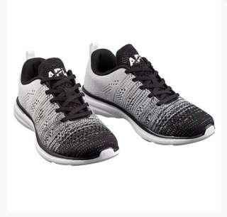 🚚 Athletic Propulsion Labs Techloom Pro Womens Knit degrade black & white running shoes size US 8