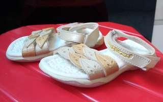 Sepatu anak millioner