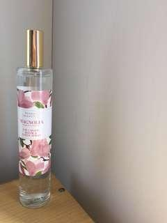 Marks and Spencer (M&S) 3 in 1 spray floral collection Magnolia FREE ONGKIR