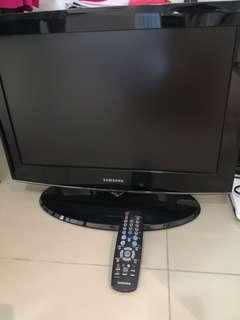 Samsung TV - LA22A450C1 22'' Flat Screen TV
