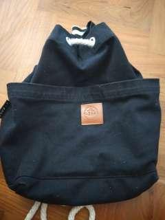🚚 Backpack