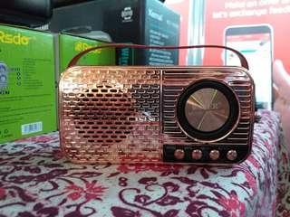 Radio vintage design with bluetooth