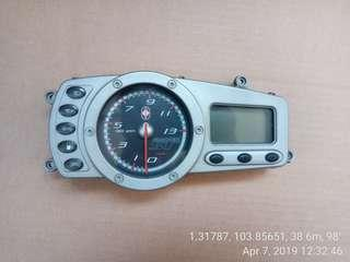 Gilera st200 speedo meter, fully working conditions with installations