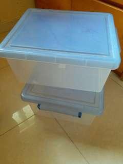 儲物膠箱 (每個15元)