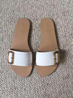 New Billini Size 7 Slides