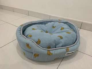 Dog Bed (10/10 CONDITION)