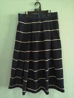 🚚 Navy Midi Skirt