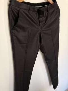 🚚 Dark grey suit for men (slightly glossy)