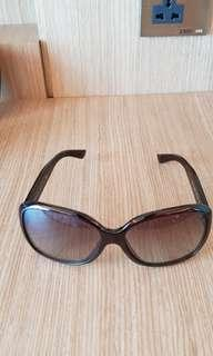 🚚 Prada sunglasses