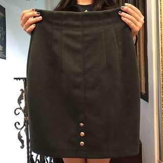 🚚 墨綠金釦高腰包臀窄裙