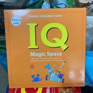 Playing Math - Magic Space