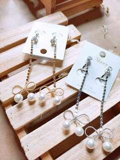 🚚 Diamond, Ribbons and Pearls Earrings clip
