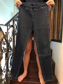 Uniqlo合身彈性長褲