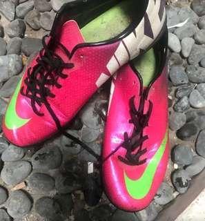 Sepatu futsal NIKE MERCURIAL ukuran 44.5