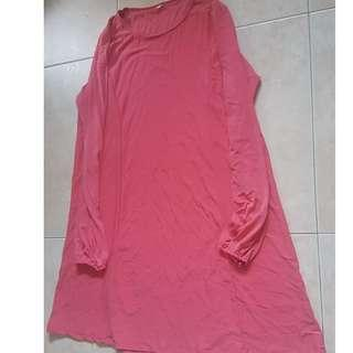 pink blouse(almost touching knee) and shawl