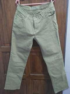 Celana jeans Three Dee