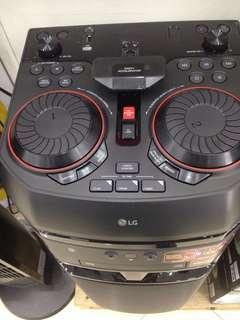 speaker DJ