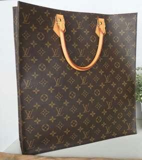 Mark Down! Louis Vuitton Monogram Sac Plat