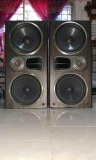🚚 Sony SS-D790AV Speakers